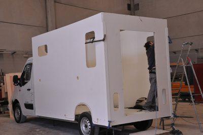 Carrosserie Ameline est votre fournisseur de camions chevaux depuis 1990